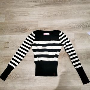🍀3/$30 Garage stripe knit sweater